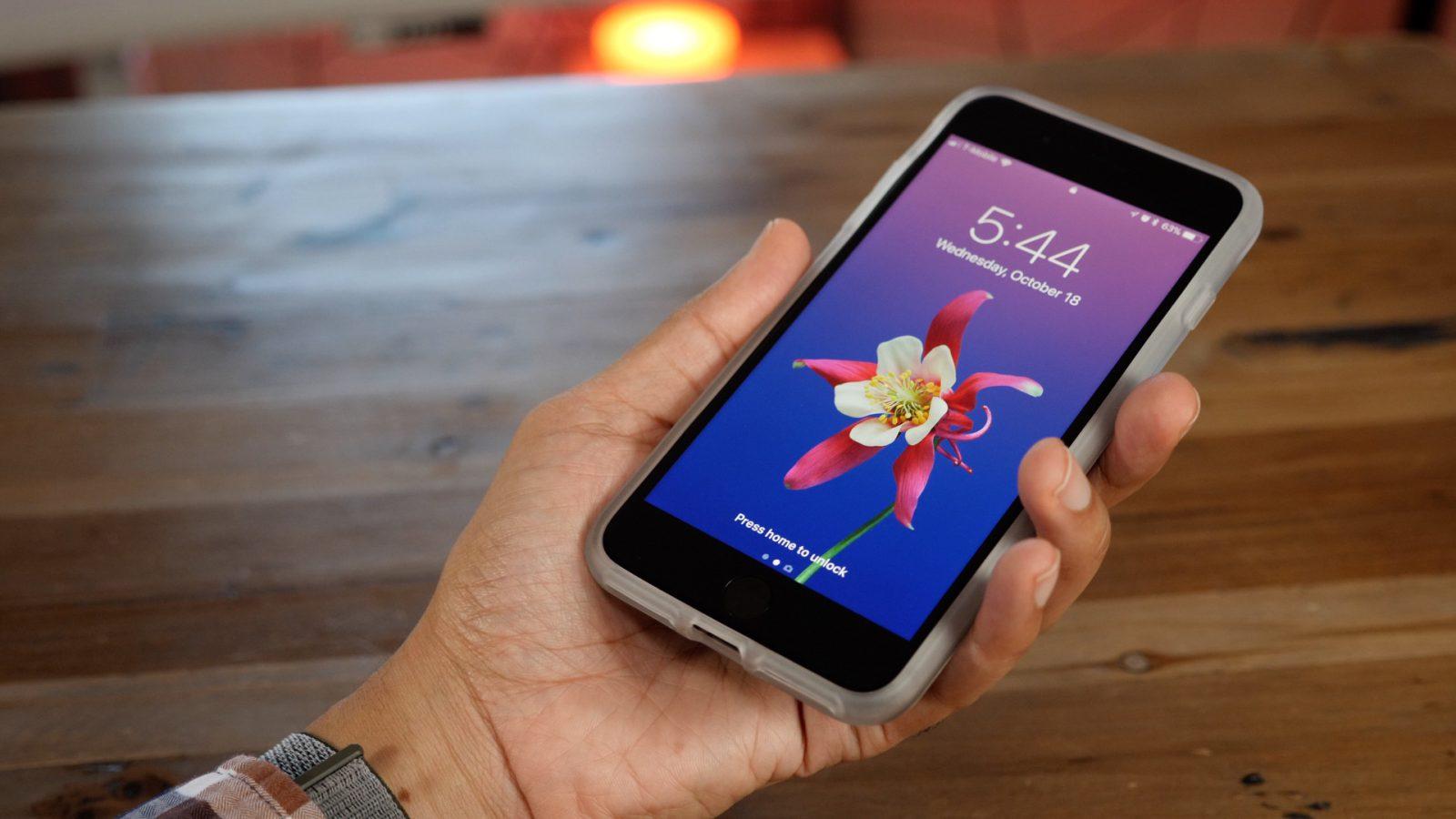 Coque iPhone 8 en silicone ou en plastique ?